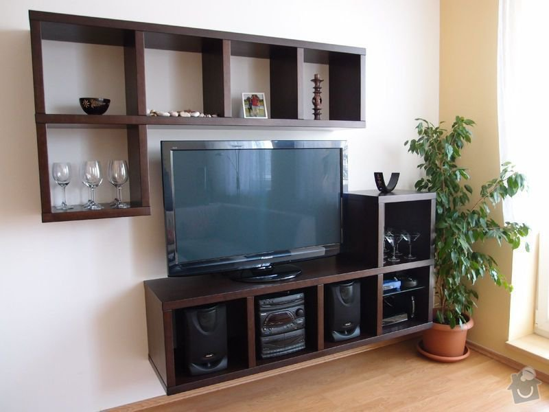 Nábytek na zakázku - TV stěna: P5180294