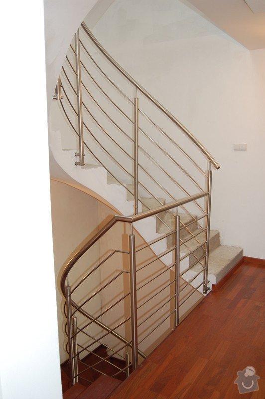 Nerezové zábradlí točitého schodiště: 02