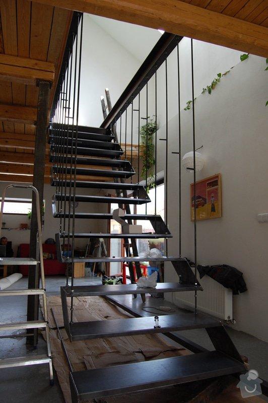 Ocelové schodiště se zábradlím podesty: DSC_5538
