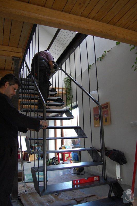 Ocelové schodiště se zábradlím podesty: DSC_5541