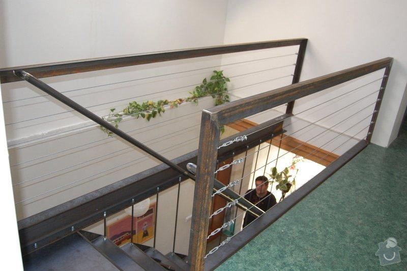 Ocelové schodiště se zábradlím podesty: DSC_5543