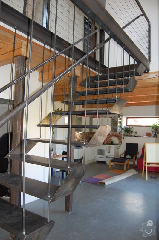 Ocelové schodiště se zábradlím podesty: DSC_5547