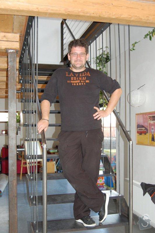 Ocelové schodiště se zábradlím podesty: DSC_5548