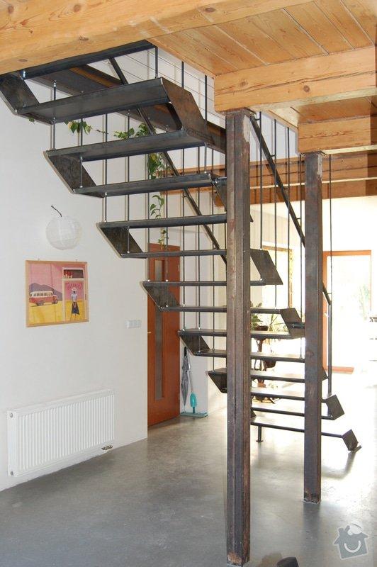 Ocelové schodiště se zábradlím podesty: DSC_5549