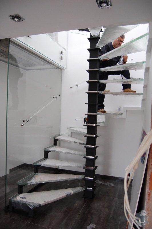 Točité prosklené schodiště: DSC_5485
