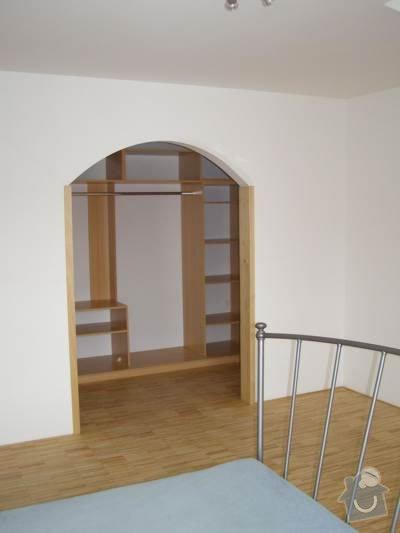 Pokládka dřevěných podlah - BD Vránova: P1010567_jpg