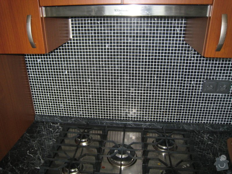 Obklad koupelny,WC  a kuchyně + dlažba : IMG_2462