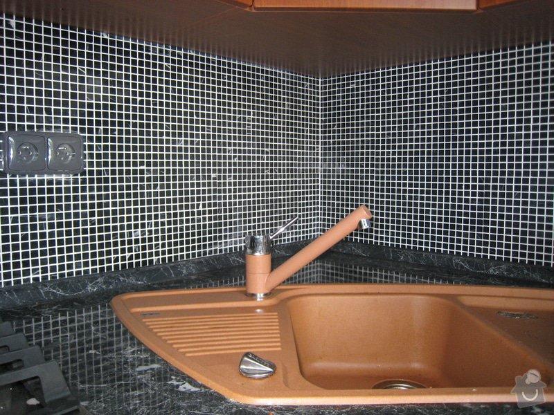 Obklad koupelny,WC  a kuchyně + dlažba : IMG_2463
