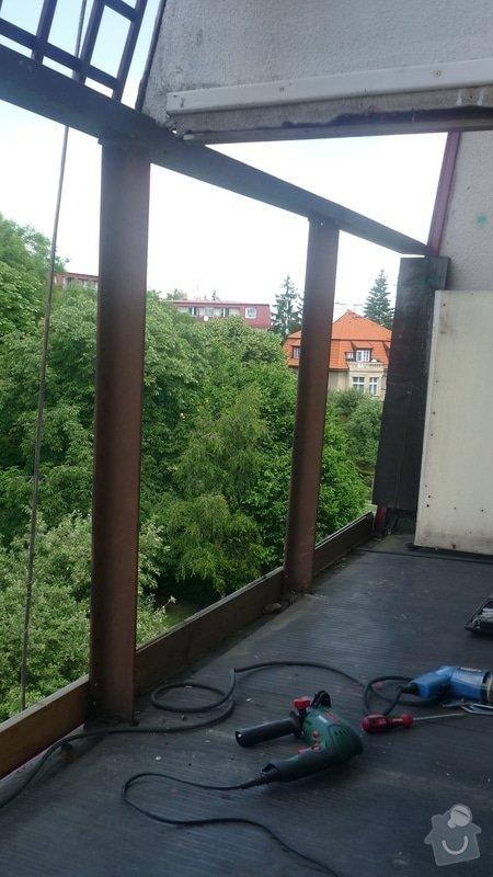 Výměna dřevěného zábradlí na balkóně: balkon_po_7_