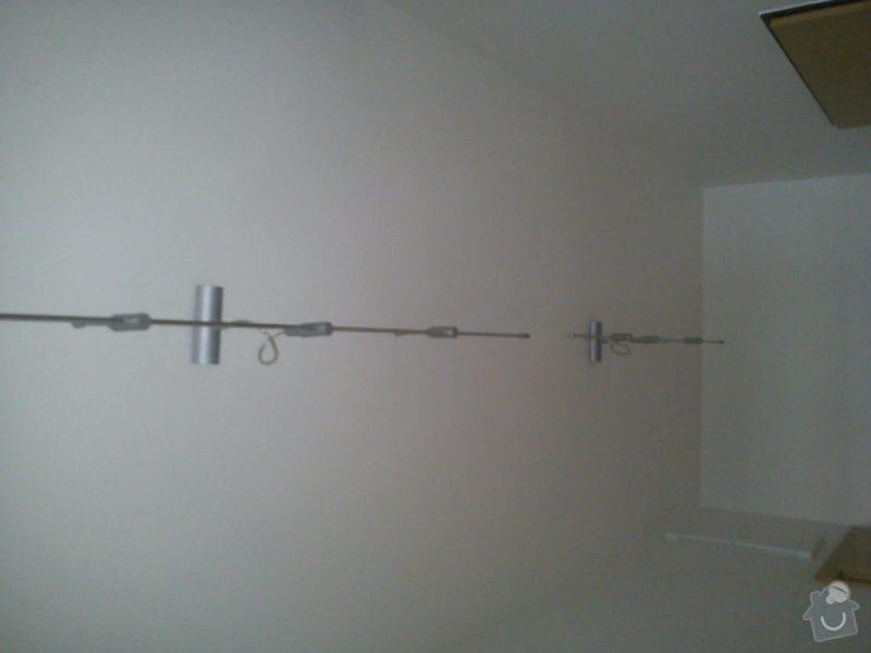 Posunutí zásuvek, zadělání elektriky na světlo, pověšení světla na chodbě: DSC00015