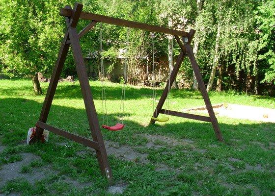 Zahradní houpačka,zahradní domek