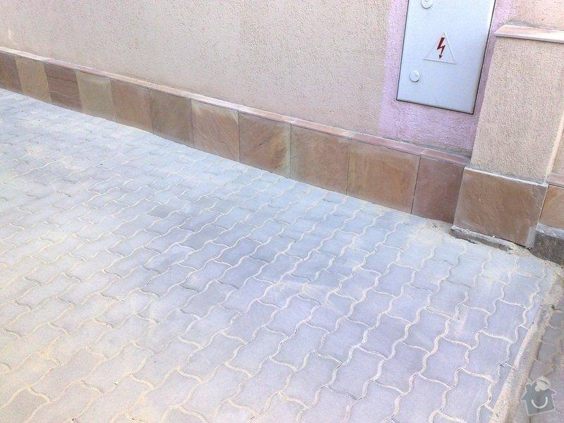 Oprava chodníku a soklu domu: 24052011939