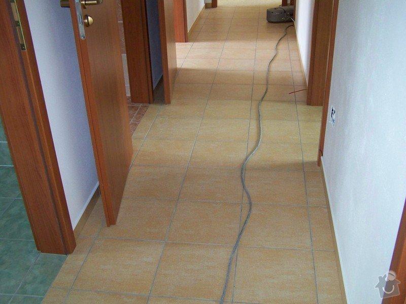 Obklady a dlažby - novostavba RD, Cerekvice: 100_1566