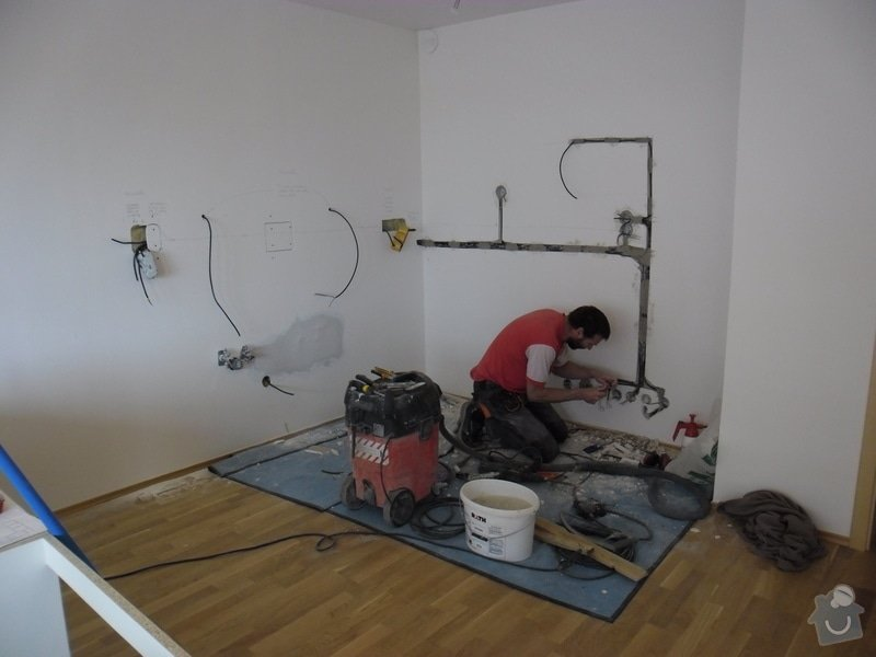 Příprava elektroinstalace pro kuchyňskou linku: SAM_4772