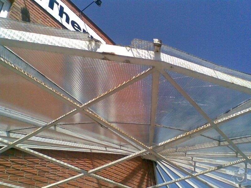 Opravu skleněných výplní: dratosklo