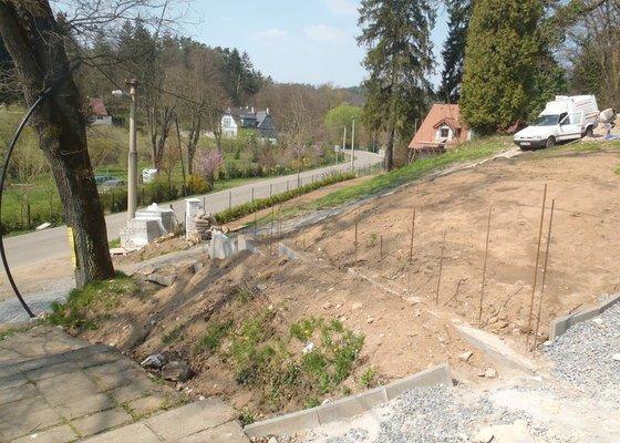 Postupná kompletace zahrady