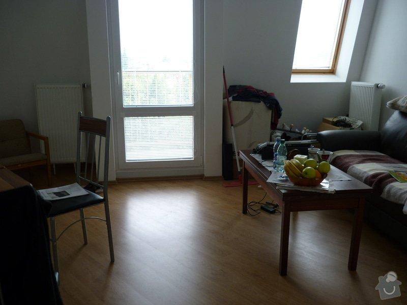 Oprava tepelné izolace v podkrovném bytě: Obyvak_vlevo_pruchod_do_kuchyne