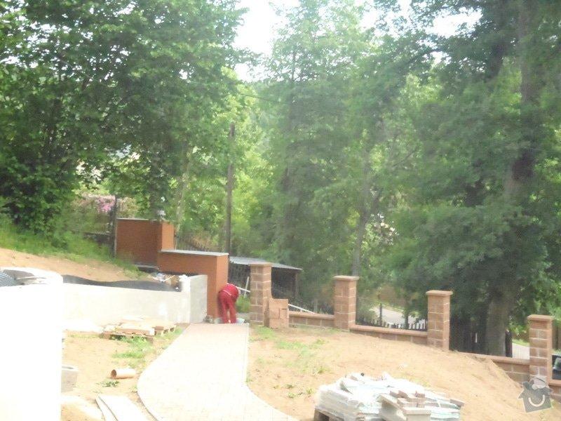 Postupná kompletace zahrady: P6020060