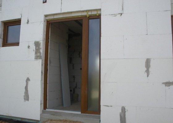 Dodávka a montáž vchodových dveří