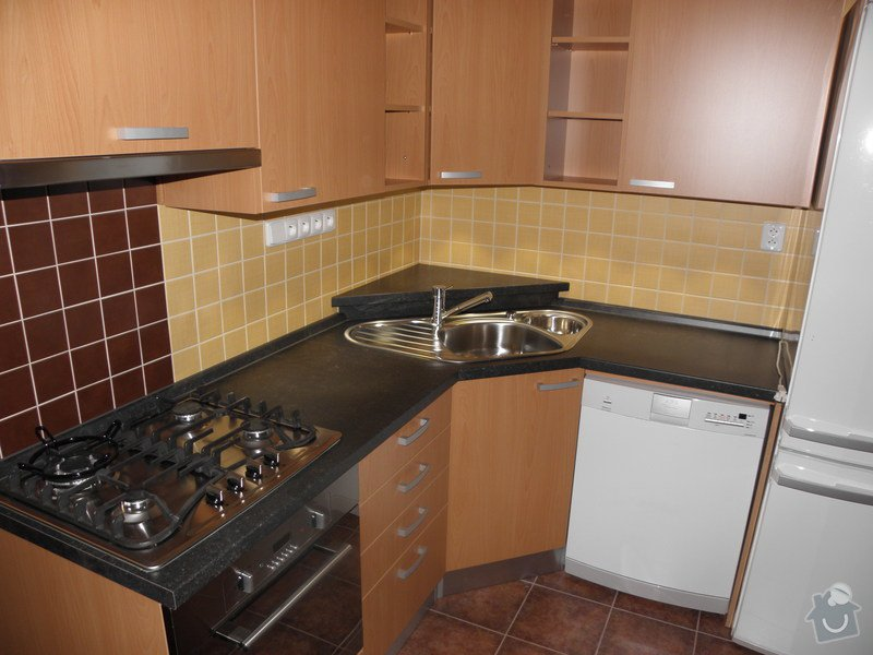 Rekonstrukce koupelny a výroba kuchyně: P6046761