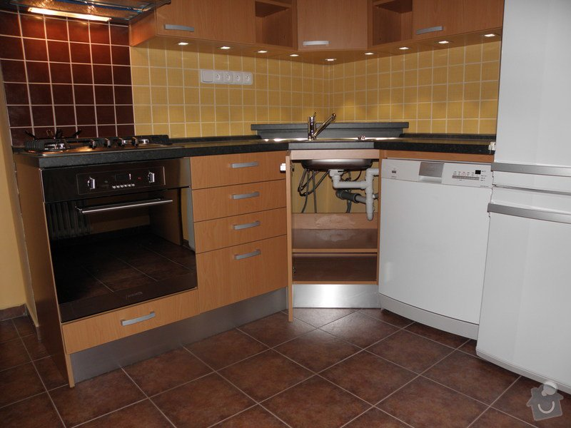 Rekonstrukce koupelny a výroba kuchyně: P6046775