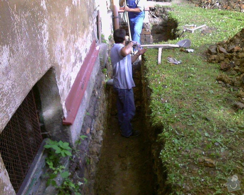 Izolace podurovni terénu domu v četně zbourání starého odpadu a zároven vybudování nového odpadu.: Foto-0025