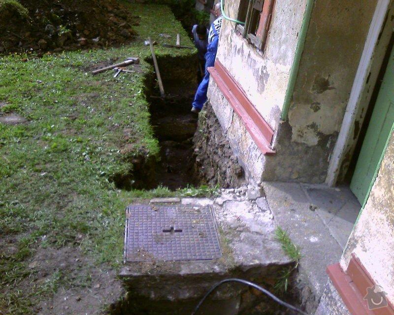 Izolace podurovni terénu domu v četně zbourání starého odpadu a zároven vybudování nového odpadu.: Foto-0028