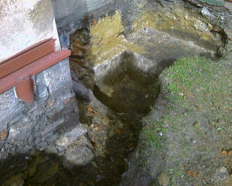 Izolace podurovni terénu domu v četně zbourání starého odpadu a zároven vybudování nového odpadu.: Foto-0027