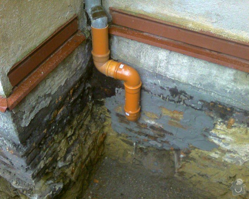 Izolace podurovni terénu domu v četně zbourání starého odpadu a zároven vybudování nového odpadu.: Foto-0059
