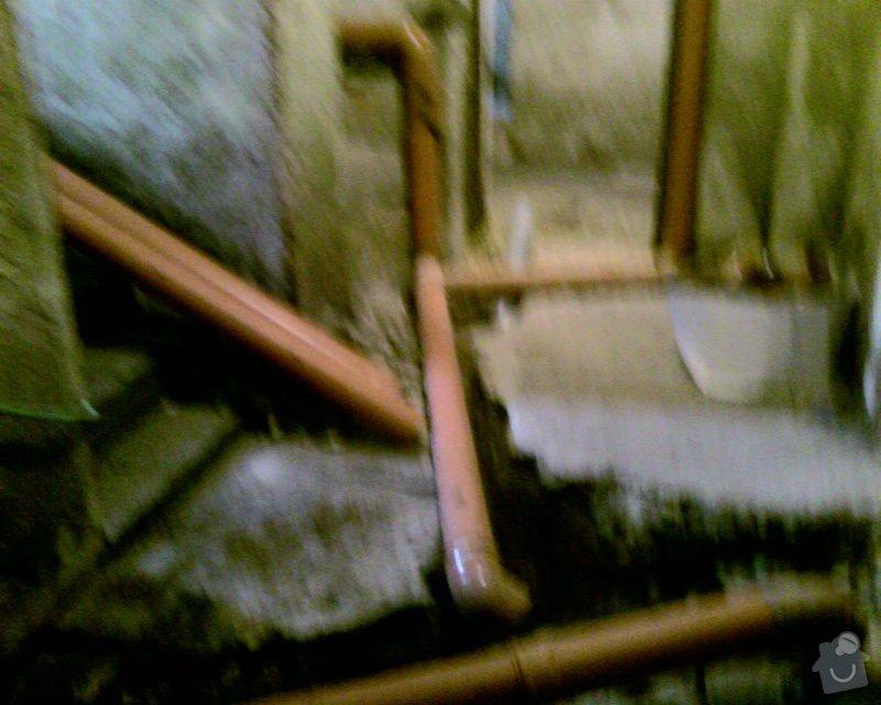 Izolace podurovni terénu domu v četně zbourání starého odpadu a zároven vybudování nového odpadu.: Foto-0064