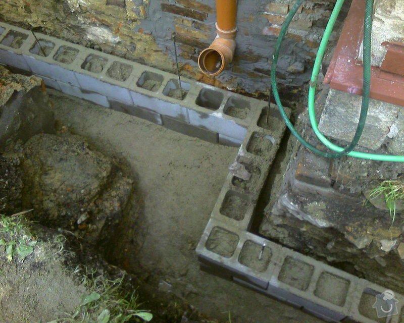 Izolace podurovni terénu domu v četně zbourání starého odpadu a zároven vybudování nového odpadu.: Foto-0070