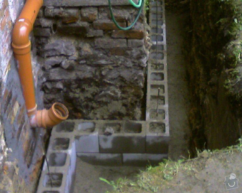 Izolace podurovni terénu domu v četně zbourání starého odpadu a zároven vybudování nového odpadu.: Foto-0072