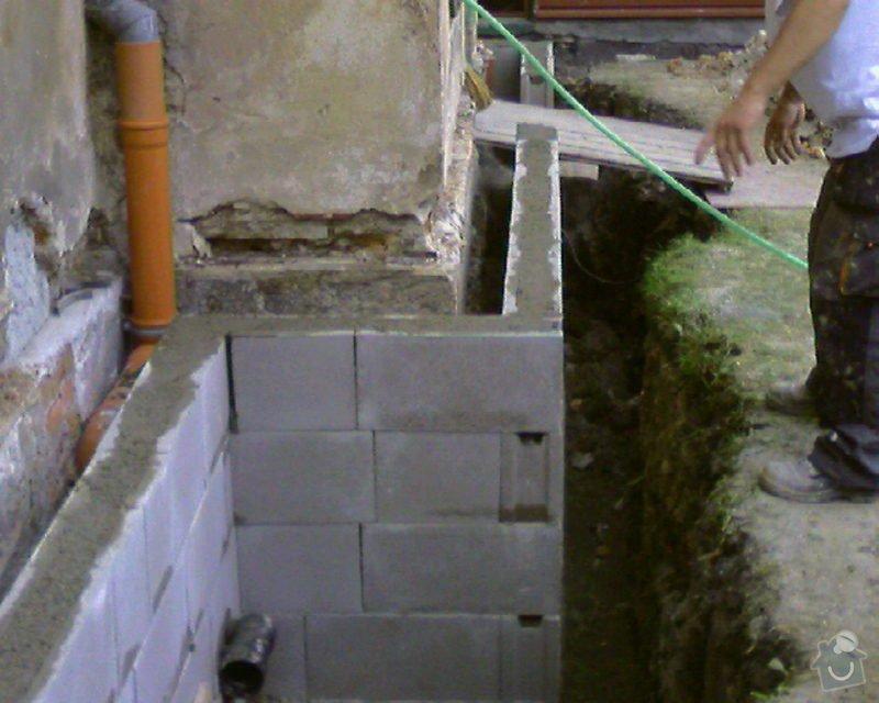 Izolace podurovni terénu domu v četně zbourání starého odpadu a zároven vybudování nového odpadu.: Foto-0086