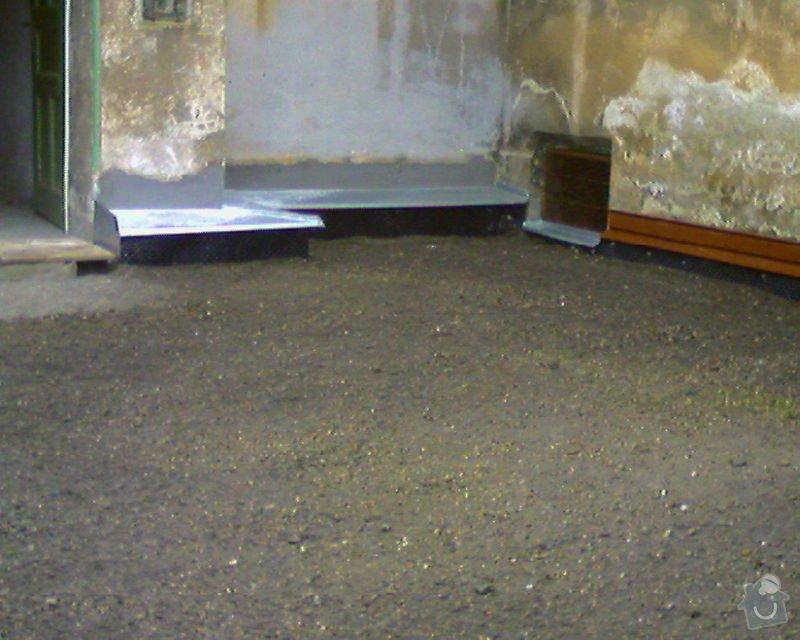 Izolace podurovni terénu domu v četně zbourání starého odpadu a zároven vybudování nového odpadu.: Foto-0007