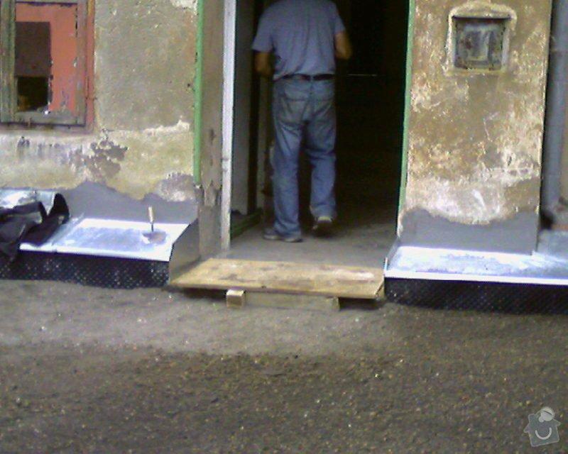 Izolace podurovni terénu domu v četně zbourání starého odpadu a zároven vybudování nového odpadu.: Foto-0008