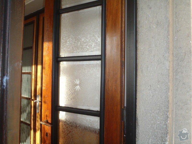 Renovace vstupních dveří.: P6120270