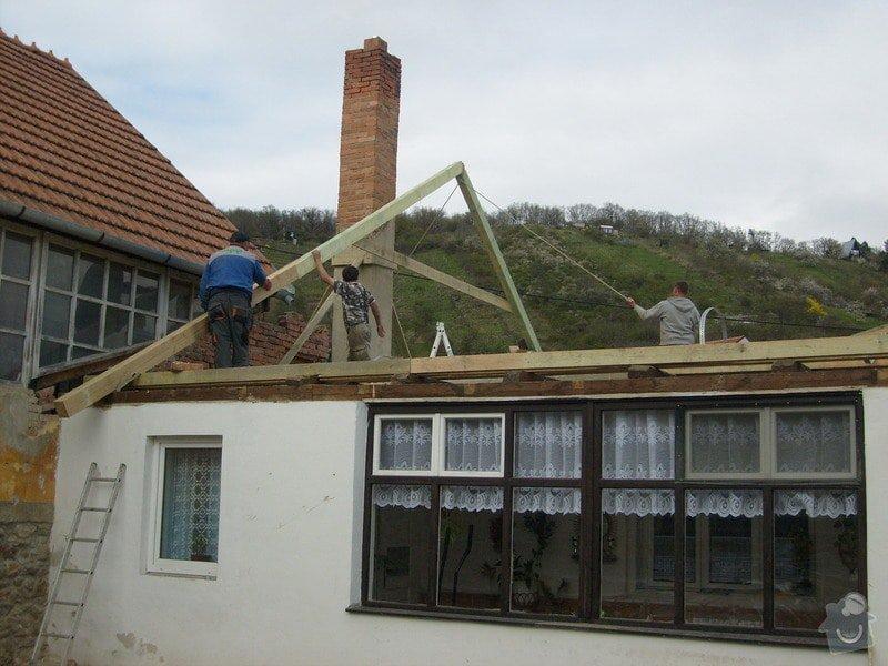Předmětem zakázky bylo kompletní zhotovení nového krovu dle projektu.: S6303661
