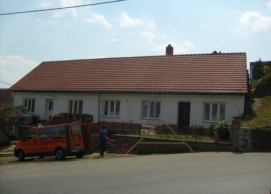 Předmětem zakázky bylo kompletní zhotovení nového krovu dle projektu.