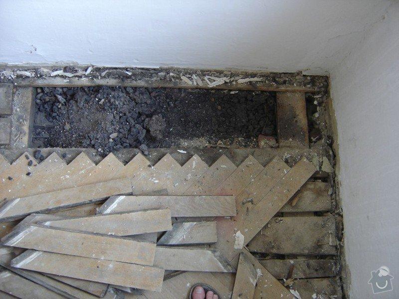 Rekonstrukce staré podlahy, původně parkety, cca 20m2: DSC03144