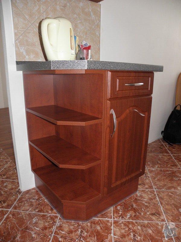 Rekonstrukce celého bytu,koupelny a výroba kuchyně: P6147155