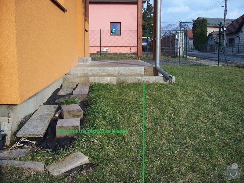 Chodníky ze zámkové dlažby, sokl, obklad podesty dlažbou: chodniky05