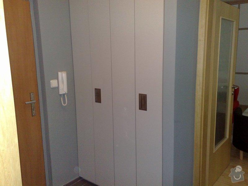 Vestavěná šatna a skříně: Recepce_010