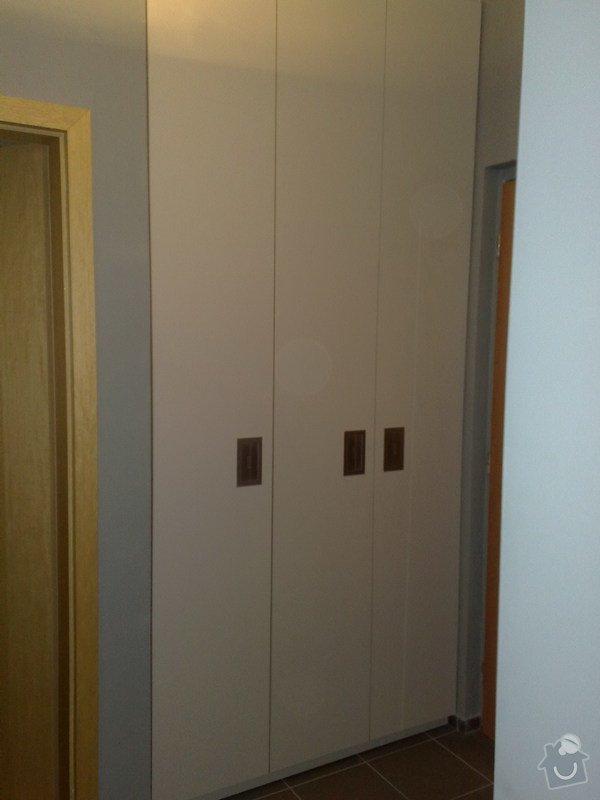 Vestavěná šatna a skříně: Recepce_008