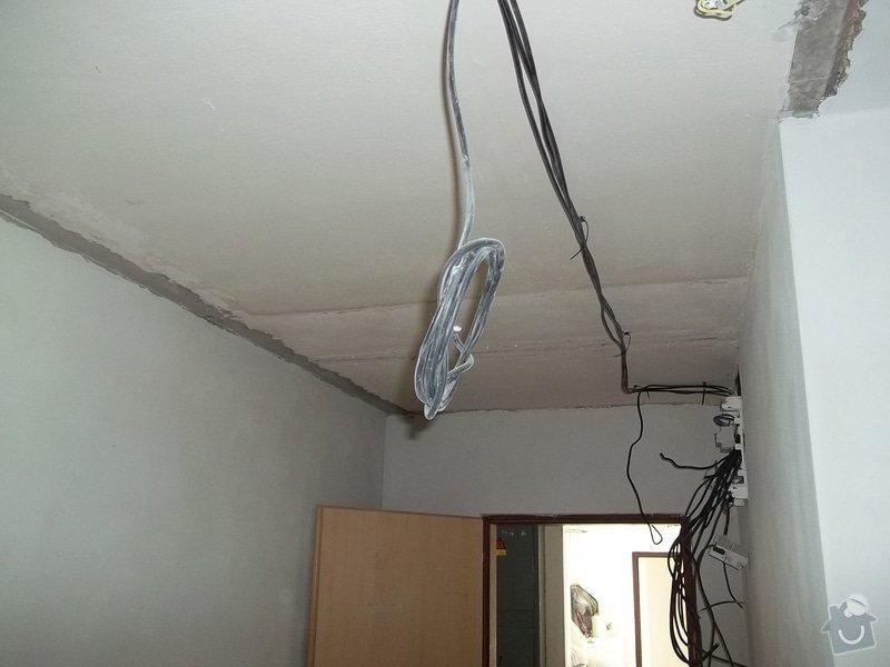 Snížení stropu pro bodová světla: 104_0281