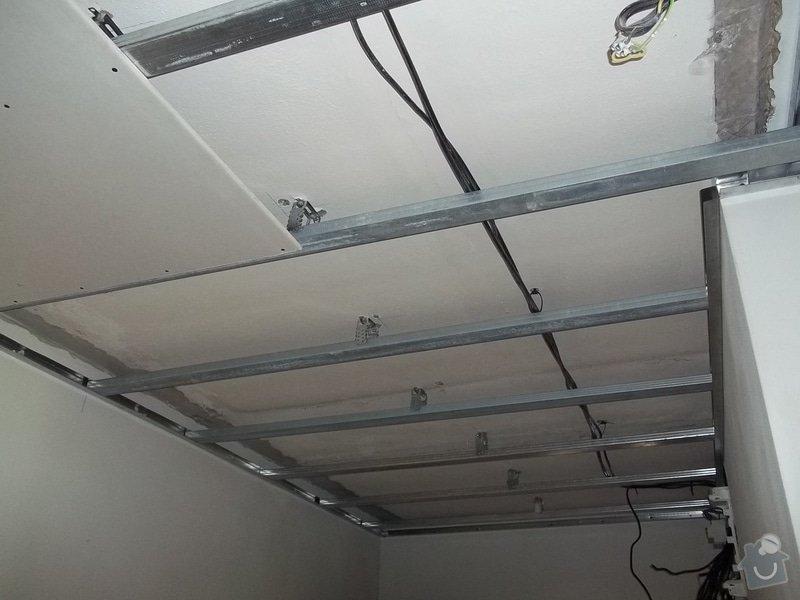 Snížení stropu pro bodová světla: 104_0283
