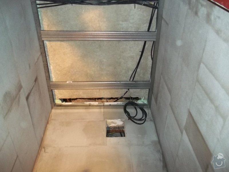 Snížené podhledy v koupelně a předsíni: 104_0268