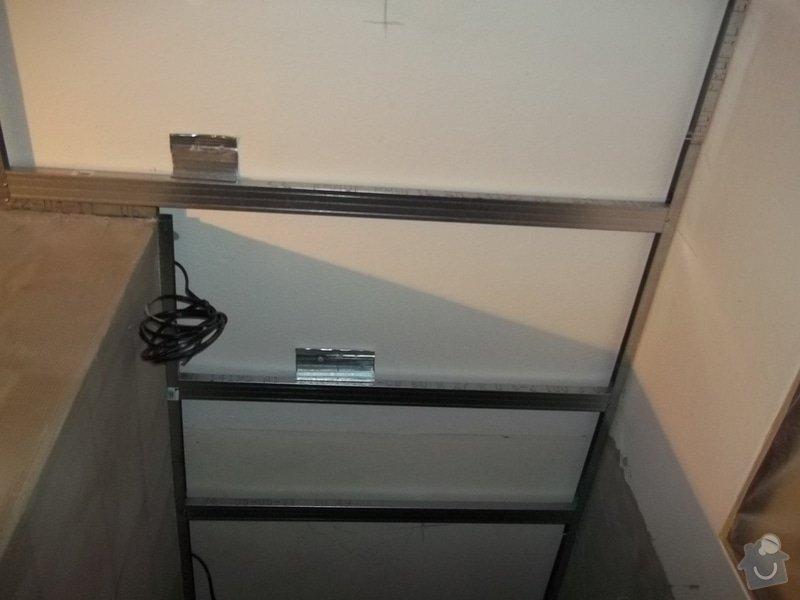 Snížené podhledy v koupelně a předsíni: 104_0269