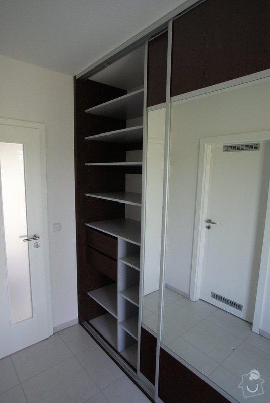 Vybavení rodinného domu -dřevostavby: vestavena_skrin_3