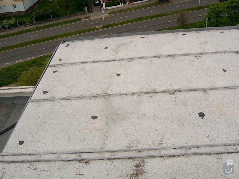Oprava drobných zatékání ploché střechy - panelový dům: SV400016