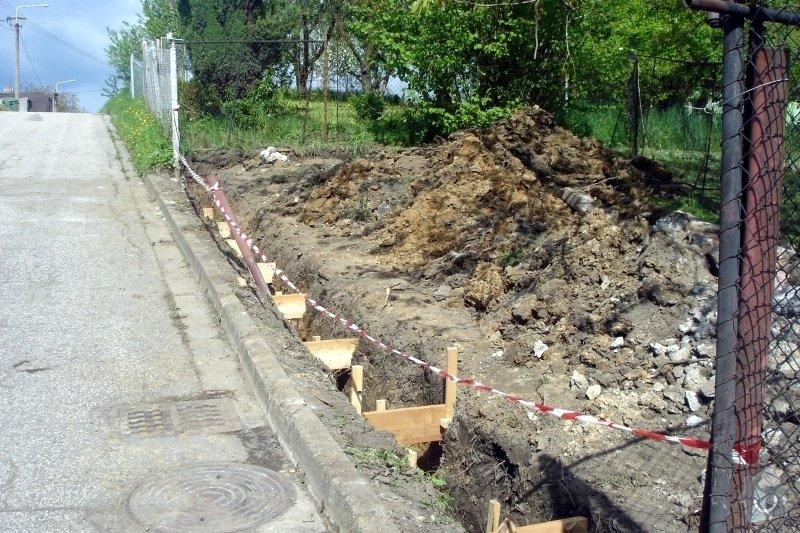 Stavba zděného plotu: DSC08262